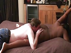 Chubby black mistress has her ass worhsipped