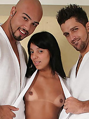 Kelly Live Bisexual Threesome Sex