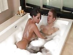 Kortney Kane gives an amazing Japanese massage